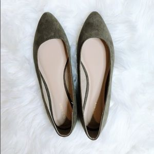BRAND NEW🎉 Olive Green Almond Toe Flats